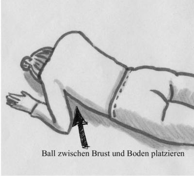 Fasziale Selbstmassage der Brust mit dem Ball